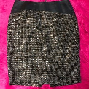 The Limited NWT sequined vegan leather skirt SZ 6